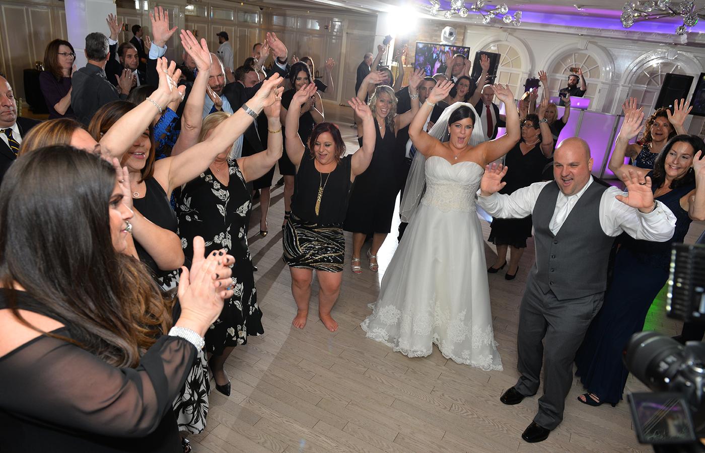 Professional Dj On Long Island Professional Wedding Disc Jockey In